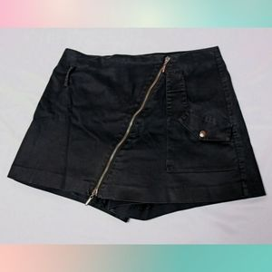 CACHE Black Zipper Skort sz 6 Shorts Skort